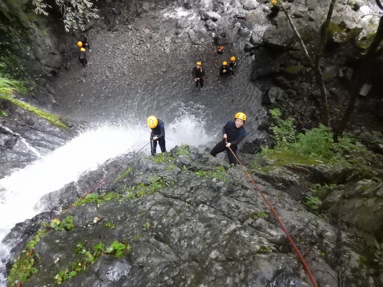 シャワークライミング キャニオニング 丹沢 神奈川 関東 ガイド ツアー
