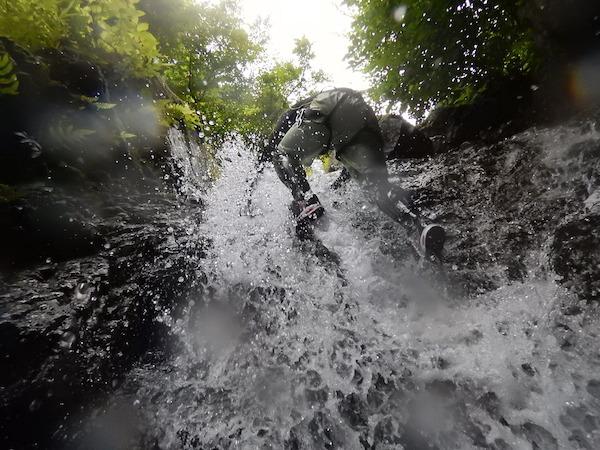 シャワークライミング キャニオニング canyoning
