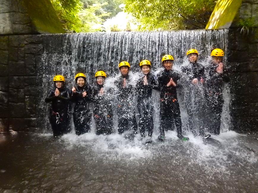 シャワークライミング キャニオニング 丹沢 秦野 神奈川 同級生 仲良し