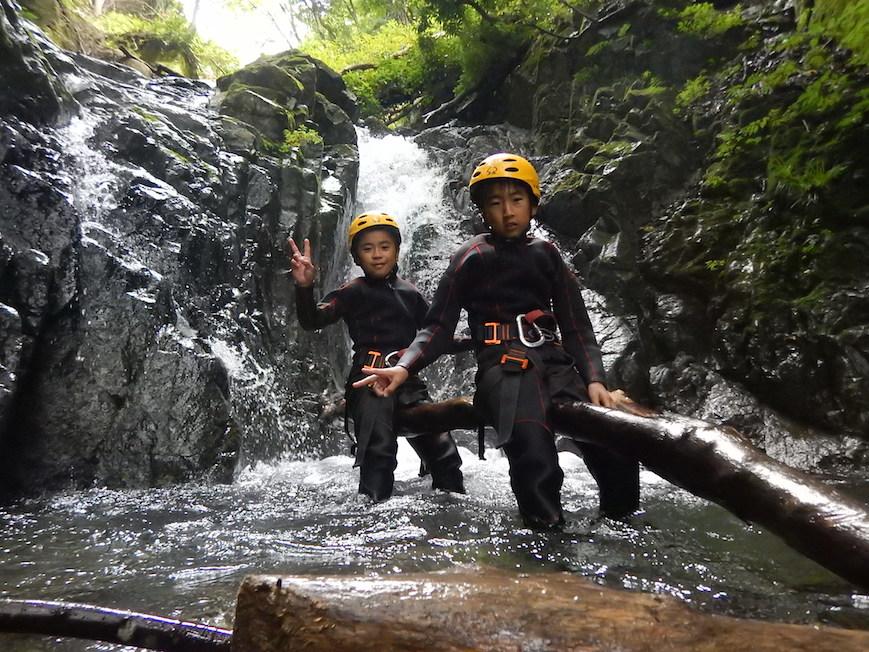 シャワークライミング キャニオニング 丹沢 秦野 神奈川 親子で冒険